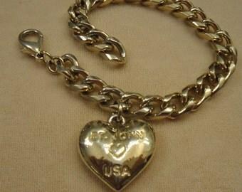 Vintage St. John designer bracelet, St. John Heart USA gold tone metal links, Lobster Claw clasp, Fabulous condition, Unique