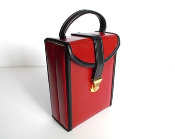 Jewelry Case . Vintage Leatherette Jewelry Case . Red with Black Trim . Travel Jewelry Case . Jewelry Tote