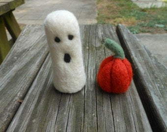 Needle Felted Ghost and Pumpkin Halloween Decoration