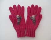 Handknit gloves with fingers , wool acrylic, coral red,embroidered, womens gloves