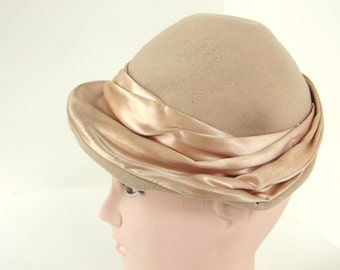 Vintage Tan Felt Hat with Pleated Satin Hatband from Jonquil Merrimac