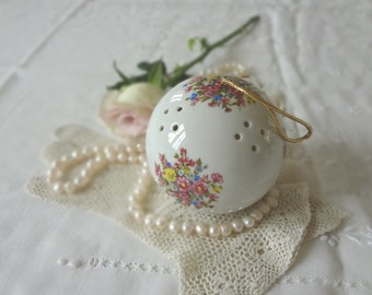 Vintage English Pomander Round Shape White with Multicolored Floral Bouquets Container for Potpourri or Lavender - EnglishPreserves