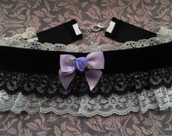 Gothic lolita black velvet and white lace rose bow choker