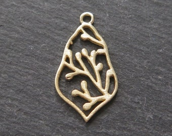 Gold over Sterling Silver Moroccan Bud Pendant 22mm (CG8691)
