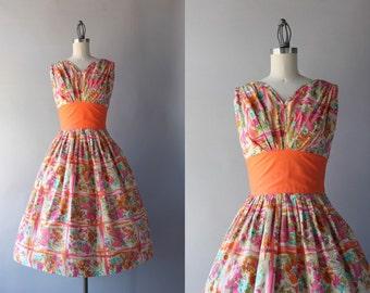1950s Sundress / Vintage 50s Novelty Print Dress / 50s Cotton Floral Full Skirt Dress