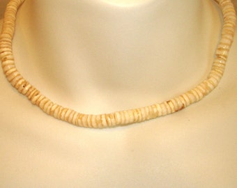 vintage Hawaiian puka shell choker necklace