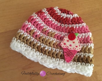 Newborn cupcake hat.. Photography prop.. Ready to ship.. Wool and acrylic.. Ready to ship