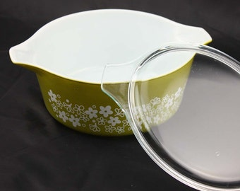 Spring Blossom Green or Crazy Daisy Pyrex Cinderella Casserole Dish - Olive Green with White Flowers - Large 2.5 Quarts #475-1