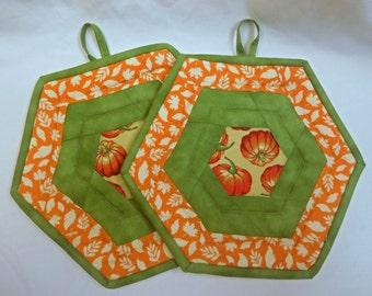 Quilted Autumn Potholders, Pumpkin Theme Potholders/Trivet Set of 2, Thanksgiving Theme Potholder Set, Quiltsy Handmade