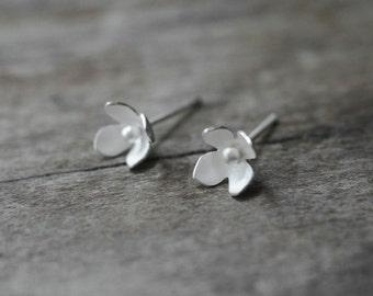Flower Stud Earrings, Sterling Flower Earrings, Flower Studs, Flower Posts, Wedding, Woodland Earrings, Nature Jewelry, Sterling Flowers