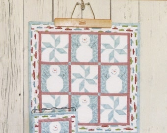 PATTERN JANUARY Winter SNOWMAN and Snowflake Mini Quilt Pattern 2 sizes in pattern
