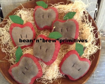 Primitive grungy Apple slices Ornies Pattern