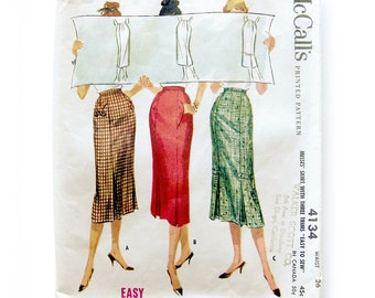 1950s Misses Skirts with Three Trims Slim Skirt Wiggle Skirt with Kick Pleats / McCall's 4134 /  Waist 26