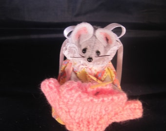 Mouse Knitting a Sweater!  NEW LOWER PRICE