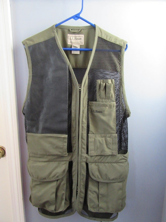 Ll bean fishing vest many pockets and breathable mesh for Ll bean fishing