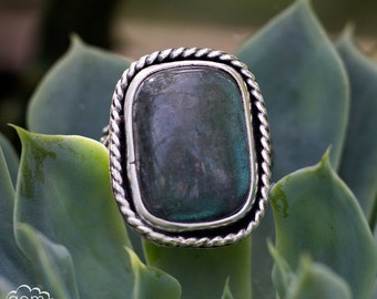 Sterling Silver and Labradorite ring - Sailors Knot II -