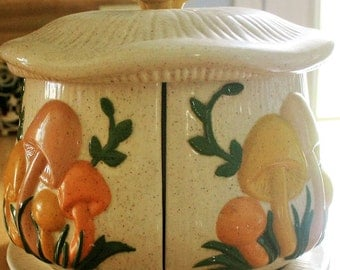 Vintage Large 4 Section Mushroom Canister Centerpiece Arnels Centerpiece