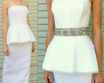 Vintage 80s WHITE space/age/Avant Garde/Column Custom WEDDING GOWN/Party Dress ----Extra Small 1980s