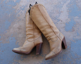 vintage 70s Zodiac Boots - 1970s Cream Leather Wingtip Boots - Spectator Western Knee Boots Sz 7.5 38