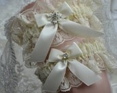 Ivory Bridal Garter Set,Wedding Garter, Heirloom Garter,Ivory Garter Set,Garter Set