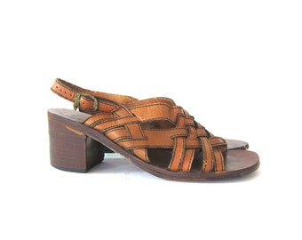 Brown Leather Sandals Vintage Buckled Strappy Gladiator Sandals Boho Summer Huaraches Shoes Chunky Heels 1970s Women's Size 7.5 B