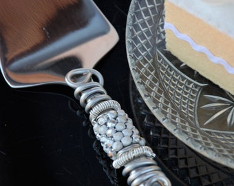 Silver wedding cake server dessert server beaded wedding table decor cake cutter bridal shower birthday party wire wrapped anniversary