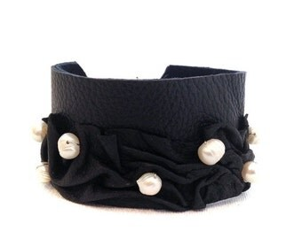 40% OFF Sale Chic leather bracelet with pearls Black and white wide cuff wristband Statement leather jewelry