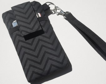 WRISTLET cell phone sleeve bag, cell phone purse case, smart phone purse,iphone, samsung galaxy phone holder travel case - Charcoal Chevron