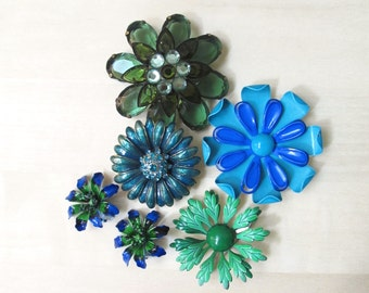 blue green Monet enamel rhinestone flower brooch collection vintage jewelry destash