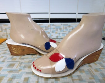 1960s Clear Plastic Carved Wood Wedgie Mules Size 6.5-7 Red White & Blue