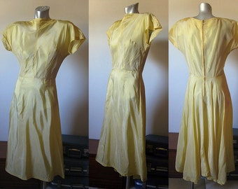 Vintage 50s Golden Yellow Empire Waist / Cap Sleeved Dress Size Small