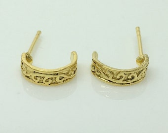 Gold tone patterned hoop earrings, men's half hoop earrings, small gold hoops, light weight hoop earrings, half circle hoop,  557G