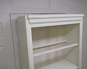 Distressed White Cottage Style Bookcase Cabinet - Chic CB102 Chippy Farmhouse Style, Shabby Chic