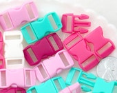 Small Plastic Buckles - 14mm Wide/10mm Hole - Plastic Clasp Buckle or Snap - for Paracord Jewelry, Bracelets or Thicker Cord - 20 pcs set