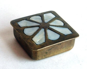 Vintage Brass Pill Box w/ Inlaid Mother-of-Pearl Flower - Tiny Square Trinket Box w/ Stylized White Shell Floral Design - 1.5 inches square
