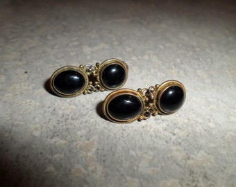 sterling silver Onyx pierced Earrings signed S 925 round with moveable oval stone