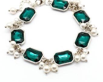 Emerald Bracelet, White Pearl Emerald Crystal Jewelry, Cluster Bracelet, Swarovski Jewelry, Emerald Green Wedding Jewelry Bridesmaids Gift
