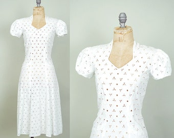 1930s dress / white eyelet dress / Sweetheart dress /  30s dress .. XS XXS