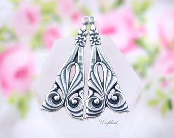 Vintage Style Art Nouveau Antiqued Silver Filled Triangle Floral Charms Pendants Drops - 2
