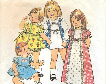 Simplicity 7154 - 1970s Toddler Dress with Puff Sleeves and Panties Vintage Sewing Pattern Size 1 Breast 20