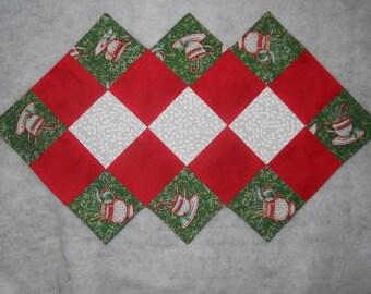 Christmas  - table runner  (14 x 24)