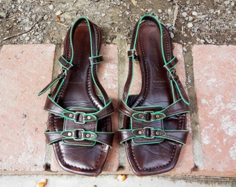 Made in Italy - Sigerson Morrison leather sandals w/ green trim ( Sz 8, Eu 38.5 )