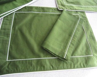 Crate & Barrel Windsor Green Placemats and Napkins 12pc