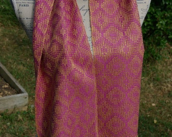 Hand dyed handwoven scarf in mulberry silk  by La Maison des Fibres