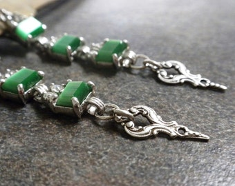 St. Patrick's Day Green Earrings Fashion Jewelry with Niobium Wires