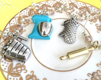 Bakers Delight Wine Charms, Set of 4,  Kitchen Mixer, Rolling Pin, Oven Mitt, Measuring Cup, Glass Beads, Hostess Gift, Gifts for Her, Baker