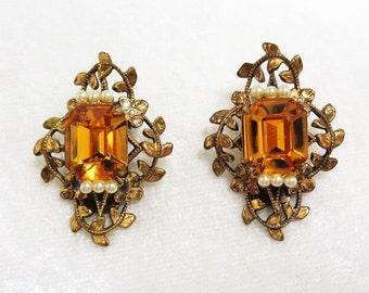 Vintage Golden Amber Filagree Vine Design Clip On Earrings