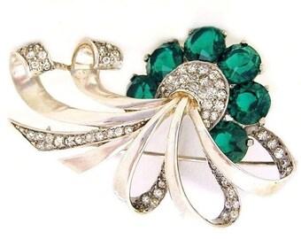 Boucher Sterling MB Phrygian Cap Emerald Green Brooch