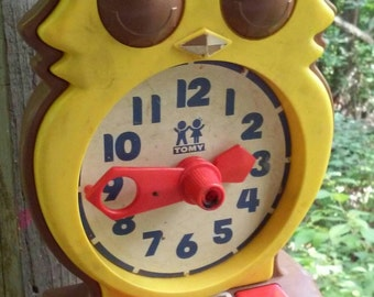 Adorable Vintage Owl Answer Clock 1975 Toy by Tomy Works Great
