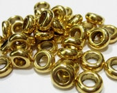 36 antique gold  metal spacer beads ethnic jewelry supply 7mm x 3mm thick x 4mm hole 40Y-X5